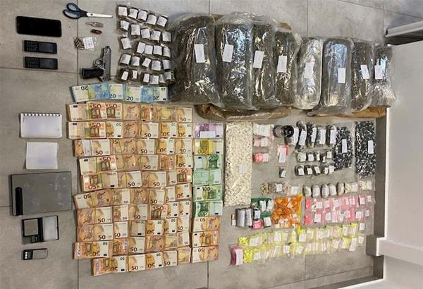 Μύκονος: Συνελήφθη ηγετικό μέλος οργανωμένου κυκλώματος διακίνησης μεγάλων ποσοτήτων ναρκωτικών στο νησί