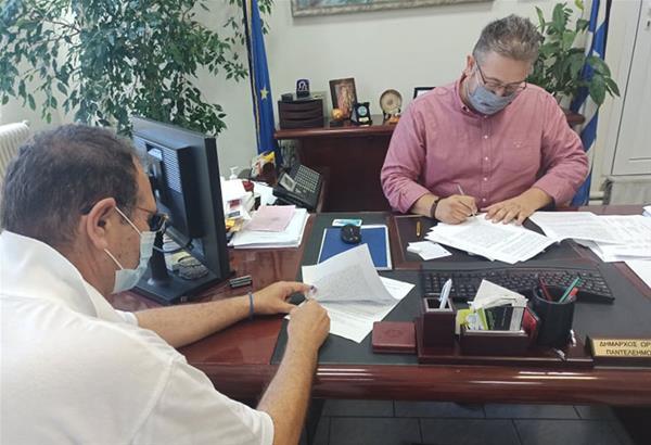 Ωραιόκαστρο: Υπογράφηκε η σύμβαση για την επαναλειτουργία του Πέτρινου Σχολείου