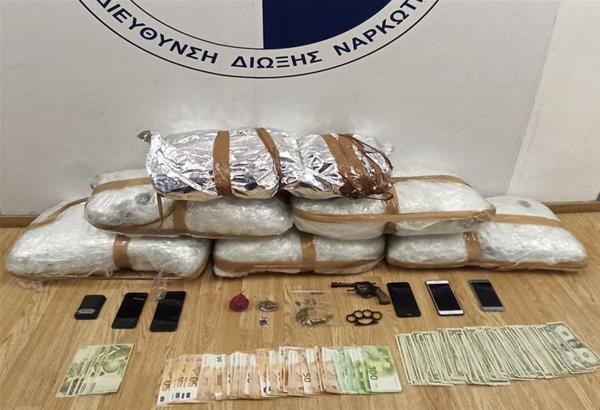 ΕΛ.ΑΣ: Κατασχέθηκαν 33 κιλά κάνναβης μετά από έρευνες σε δύο σπίτια