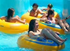 Charity aqua fun party στη Waterland
