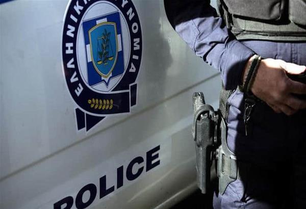 ΕΛ.ΑΣ-Θεσσαλονίκη: Σύλληψη αλλοδαπού για παράνομη μεταφορά μεταναστών μετά από καταδίωξη