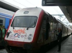 Θεσσαλονίκη: Φωτιά σε τρένο αναστάτωσε τους πάντες