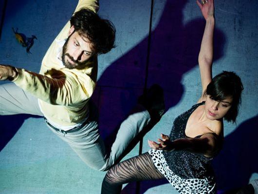 «Συμβαίνουν αυτά καμιά φορά  - το ζήτημα της φαλακρής τραγουδίστριας» στο Δημοτικό Θέατρο Καλαμαριάς