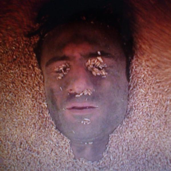 Performance Κώστας Τσιούκας «Dead or Alive?» στο Μ.Μ.Σ.Τ.