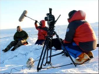Με τη μέθοδο του ντοκιμαντέρ.... γράφει ο Σωτήρης Ζήκος