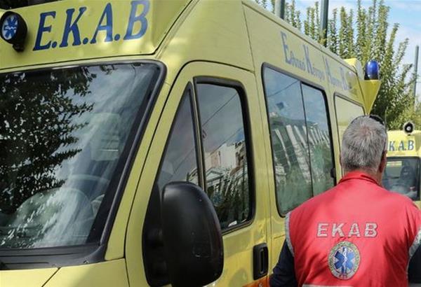Θεσσαλονίκη: Φορτηγό συγκρούστηκε με ΙΧ αυτοκίνητο στο ύψος της Λητής.