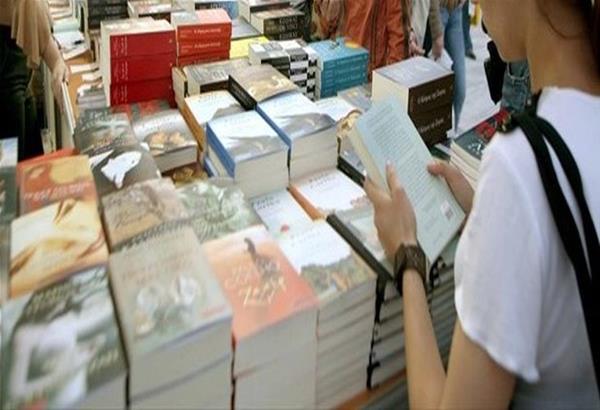 Η 8ο Γιορτή Βιβλίου των Εκδοτών στη ΔΕΘ συνεχίζεται με επιτυχία.