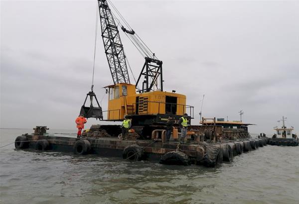 Ολοκληρώνεται ο καθαρισμός και η εκβάθυνση των εκβολών του ποταμού Λουδία (βίντεο)