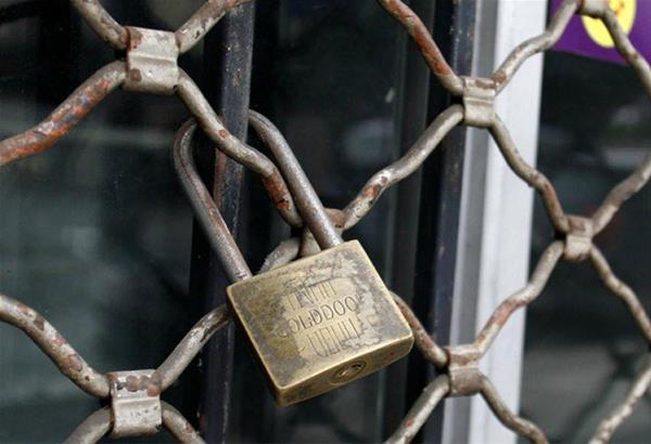 Τα κλειδιά των καταστημάτων τους δηλώνουν ότι θέλουν να παραδώσουν στο Μαξίμου οι εστιάτορες