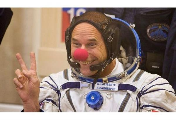 NASA: Αναζητά αστροναύτες-κλόουν για να διασκεδάζει τους υπόλοιπους, ώστε να αντέξουν τη μοναξιά της αποστολής τους