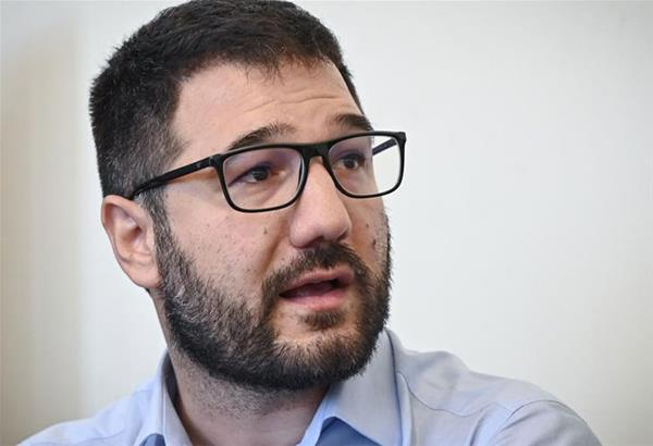 Ν. Ηλιόπουλος: «Αντί για μέτρα στα ΜΜΜ και στους χώρους εργασίας, η κυβέρνηση προχωρά σε απαγόρευση συναθροίσεων