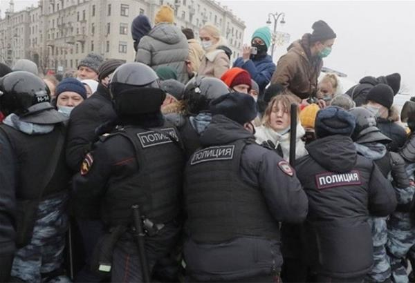 Ρωσία: Συλλήψεις 2.100 ατόμων για τις διαδηλώσεις υπέρ του Ναβάλνι - Ανάμεσά τους και η σύζυγός του