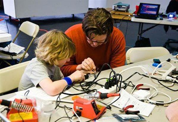Family Tinkering – Μαστορεύω και μαθαίνω στο Noesis
