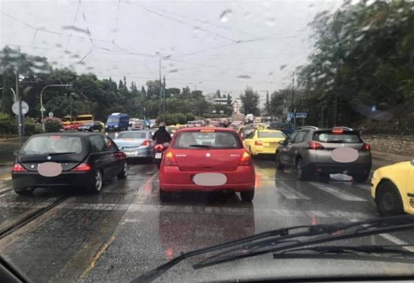 Περιφερειακός Θεσσαλονίκης: Τροχαία ατυχήματα προκάλεσαν πρωινό μποτιλιάρισμα