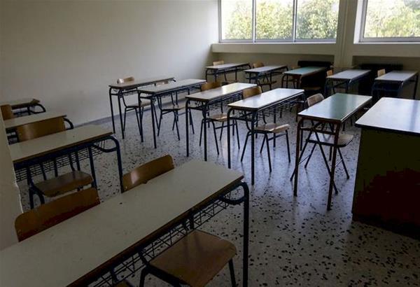 Εξαδάκτυλος: Αν υπάρξει ραγδαία αύξηση κρουσμάτων μπορεί τα σχολεία να ξανακλείσουν
