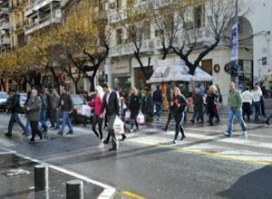 Ανοιχτά τα μαγαζιά της Θεσσαλονίκης του Αγίου Πνεύματος
