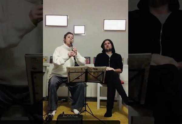 Ο Κώστας Κορωναίος και η Ανθή Δανβουνέλη στα Homemade Concerts