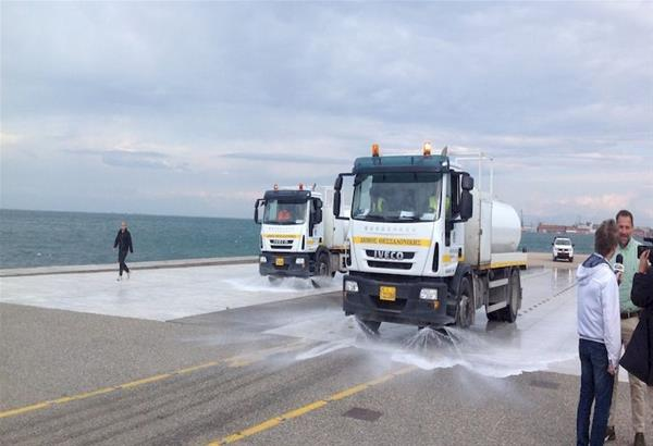 Θεσσαλονίκη: Επιχείρηση καθαρισμού και απολύμανσης της Νέας Παραλίας