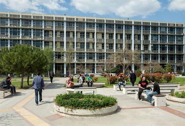 Οι φοιτητές του ΑΠΘ υποδέχονται τους πρωτοετείς συναδέλφους τους στο Πανεπιστήμιο