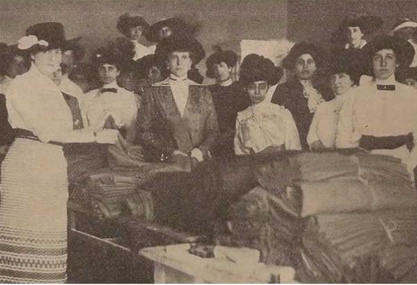 Ελληνίδες των αρχών του 20ού αιώνα στη Βίλα Πετρίδη