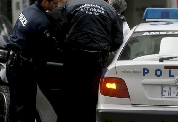 Θεσσαλονίκη: Συνελήφθησαν 2 αλλοδαποί που μετέφεραν μετανάστες με πολυτελές αυτοκίνητο