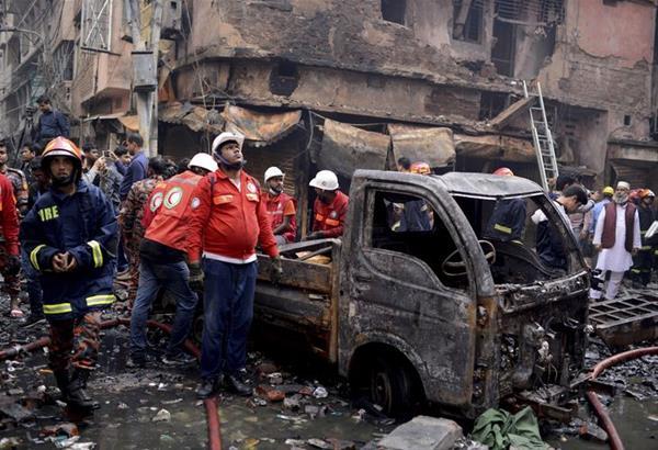 Μπανγκλαντές: Τουλάχιστον 70 νεκροί από πυρκαγιά σε πολυκατοικία