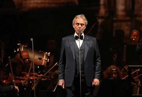 Ο Andrea Bocelli θα ψάλει ύμνους στον άδειο Καθεδρικό Ναό του Μιλάνου