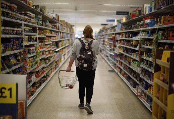 Βρετανία: Τέλος οι οικογενειακές εξορμήσεις στα σουπερμάρκετ- Έρχεται το «shop-alone»