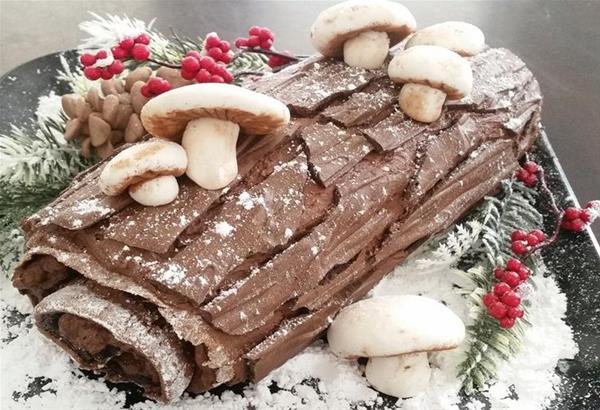 Buche de Noel, το απόλυτο γαλλικό παραδοσιακό γλύκισμα των εορτών (βίντεο)