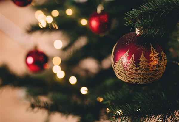 20  ιδέες για να φτιάξετε μόνοι σας τα πιο εντυπωσιακά χριστουγεννιάτικα στολίδια (βίντεο)