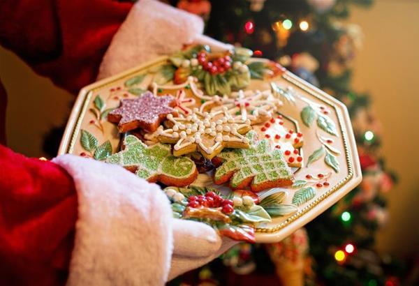 Εορταστικά μπισκότα που θα φέρουν το πνεύμα των Χριστουγέννων στην κουζίνα σας (βίντεο)