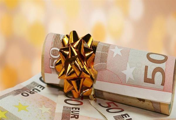Σήμερα 21/12 πληρώνεται στους μισθωτούς του ιδιωτικού τομέα το Δώρο Χριστουγέννων