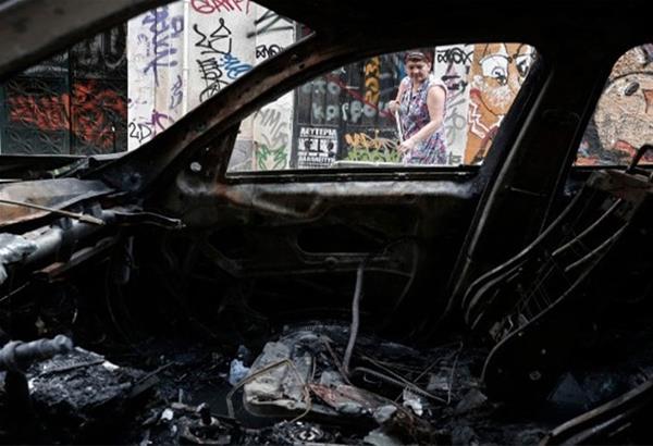 Θεσσαλονίκη: Ανάληψη ευθύνης για εμπρησμούς σε βανάκια και εταιρία στην Πυλαία