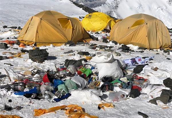 Έβερεστ: Οι τόνοι σκουπιδιών των τουριστών και ορειβατών μετατρέπονται σε έργα τεχνης (βίντεο)