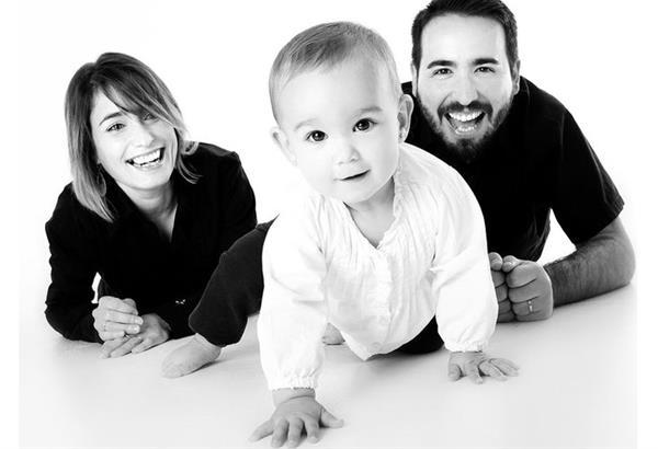 Έρχονται αλλαγές: αύξηση της άδειας πατρότητας, γονική άδεια 6 μηνών και στους δυο γονείς