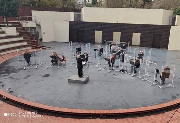 H Φιλαρμονική Ορχήστρα Δήμου Θεσσαλονίκης με ένα εορταστικό πρόγραμμα