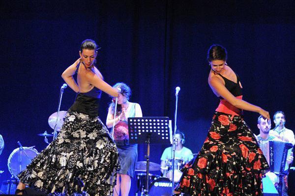 Παράσταση χορού από το Studio Flamenco Pellizco