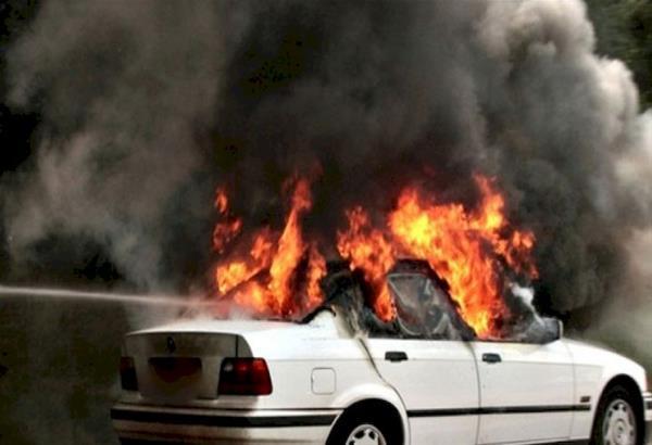 Θεσσαλονίκη: Εμπρηστική επίθεση με φωτοβολίδα σε αυτοκίνητο