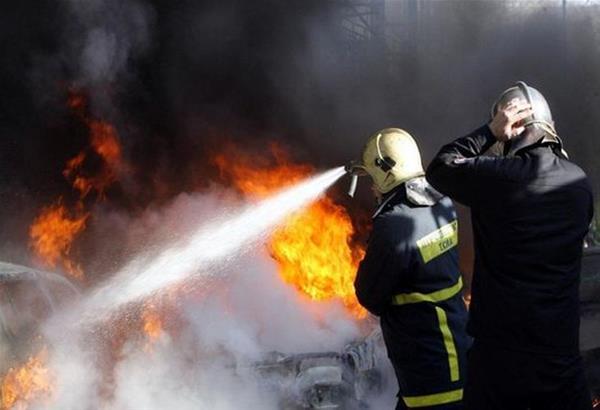 Στις φλόγες τυλίχτηκαν δύο οχήματα τα ξημερώματα - Ένα κάηκε ολοσχερώς