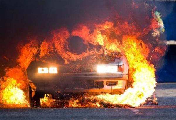 Απανθρακώθηκε οδηγός μέσα στο αυτοκίνητο που πήρε φωτιά στη περιφερειακή οδό της Θεσσαλονίκης