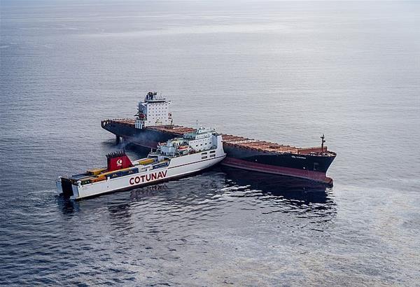 Μεγάλη διαρροή καυσίμων μετά τη σύγκρουση πλοίων ανοιχτά της Κορσικής