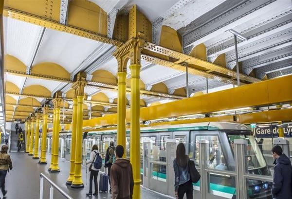 Επίθεση με οξύ στο Μετρό του Παρισιού - Τραυματίας σε κρίσιμη κατάσταση