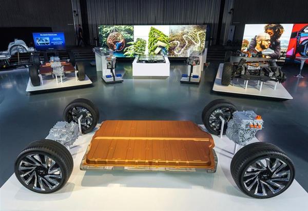 General Motors: Τέλος οι κινητήρες πετρελαίου και βενζίνης έως το 2035