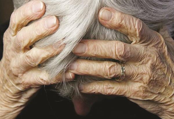 Κρήτη: Κραυγή αγωνίας από ηλικιωμένη καθώς κινδυνεύει να μείνει άστεγη