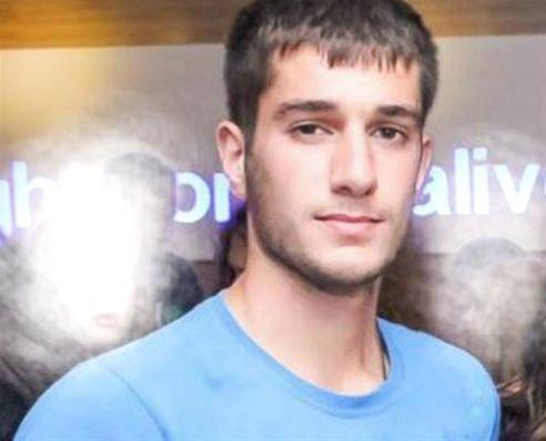 Βαγγέλης Γιακουμάκης: Τον κρέμασαν από το παράθυρο, κυκλοφορούσε μελανιασμένος – Απίστευτα βασανιστήρια σε βάρος του σπουδαστή
