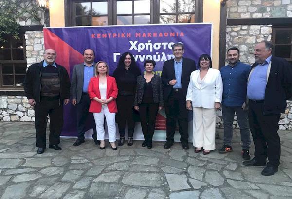 Τους υποψήφιους περιφερειακούς συμβούλους Χαλκιδικής με τον συνδυασμό «Κοιτάμε Μπροστά» παρουσίασε ο Χρήστος Γιαννούλης