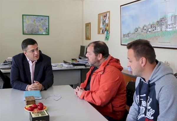 Επίσκεψη Τζιτζικώστα στο Παιδικό Χωριό SOS Πλαγιαρίου και στο έργο ανέγερσης του 2ου Γυμνασίου Θέρμης