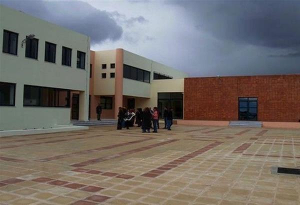 Παρέμβαση αντιεξουσιαστών-αναρχικών στο 2ο Γυμνάσιο Καλαμαριάς