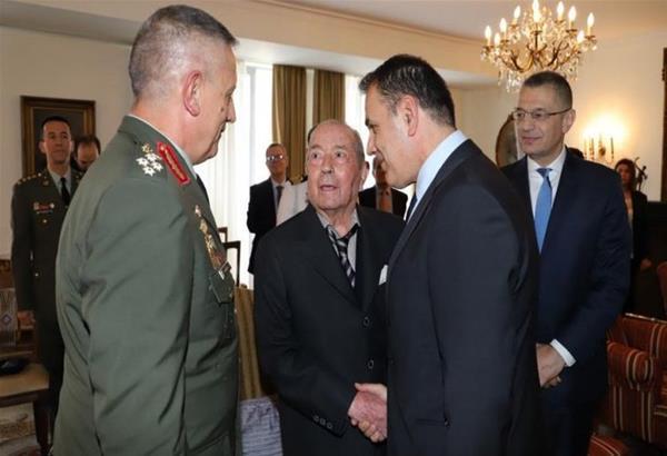 Ο Εθνικός ευεργέτης Ιάκωβος Τσούνης δώρισε στις ένοπλες δυνάμεις 23 εκατ. ευρώ και 60 αποβατικά σκάφη.