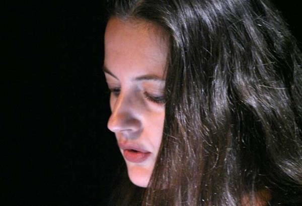 Η ΚΟΘ συμπράττει με την ποιήτρια Ιουλίτα Ηλιοπούλου στο πλαίσιο των εκδηλώσεων της Μεγάλης Εβδομάδας